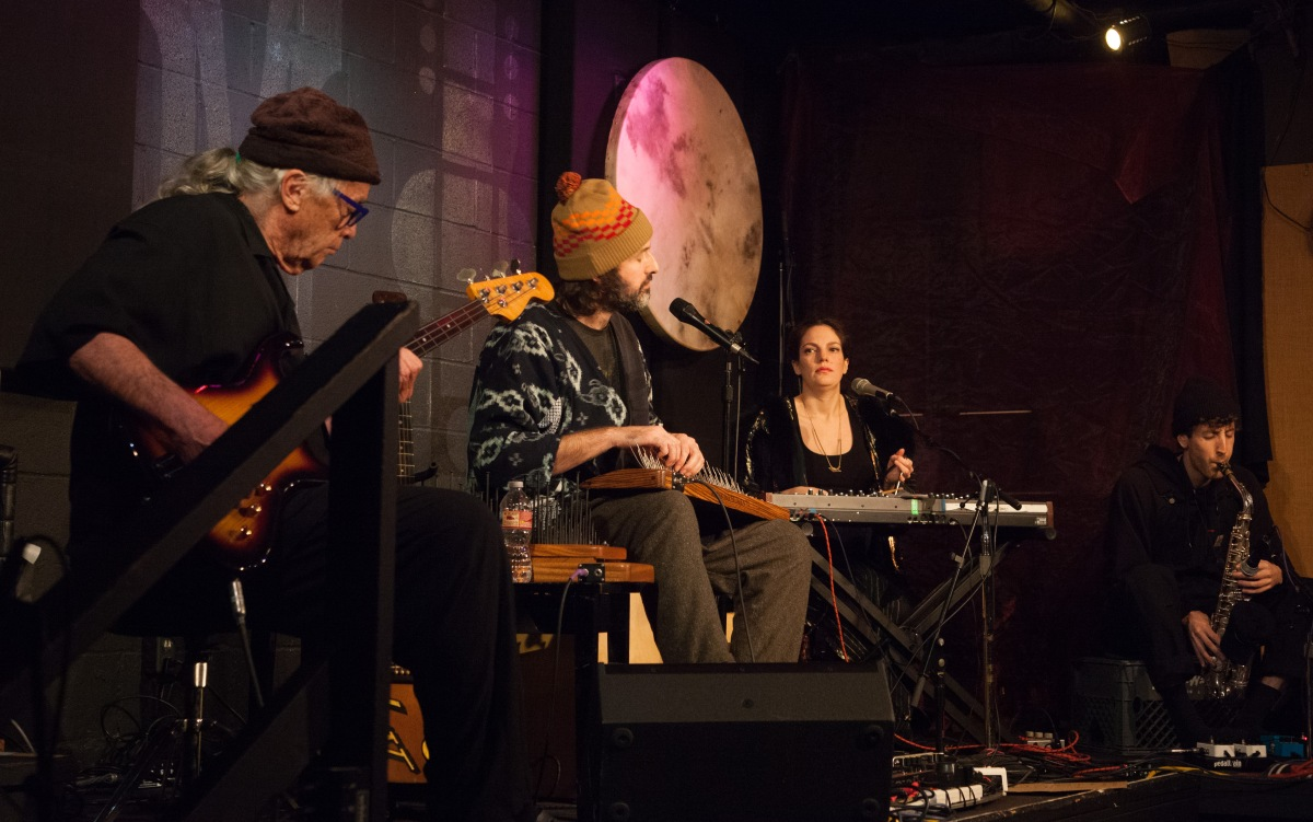 Joachim Cooder Leads Familial Flights of Fancy At McCabe's